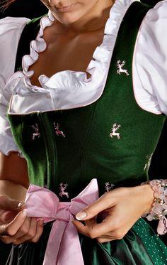 Dirndl - traditional Oktoberfest German women outfit http://www.oktoberfesthaus.com