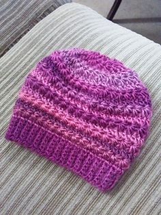 This pretty newborn hat is featuring a star stitch variation pattern with 2 rows repeat: one row of star stitch and one row of half double crochet.