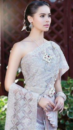 I couldn't find a gif for her but she's a definite Miss Thailand Thai Wedding Dress, Khmer Wedding, Cambodian Wedding, Traditional Thai Clothing, Traditional Outfits, Thailand Fashion, Thai Fashion, Oriental Dress, Thai Dress