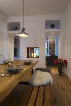 Splitsing van woonkamer en eetgedeelte met Haard (voor in uitbouw idee)