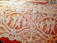 WEDDING WHITE Antique ITALIAN NEEDLE LACE Banquet Tablecloth FIGURAL  FABULOUS!