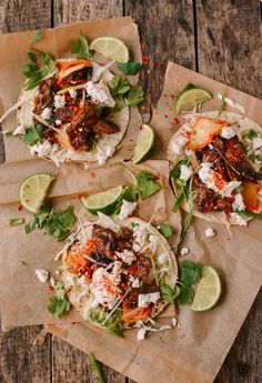 Beef bulgogi tacos are an incredible Korean Mexican fusion dish. The idea of putting beef bulgogi taco with crunchy cabbage, spicy kimchi, sour cream, queso fresco, and a squeeze of lime is pretty awesome Asian Recipes, Mexican Food Recipes, Vegetarian Recipes, Cooking Recipes, Ethnic Recipes, Asian Desserts, Fusion Food, Cocinas Kitchen, Food Cakes