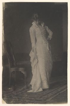 """Photograph by Thomas Eakins of a """"Woman in White laced-bodice Dress"""" in his studio, Metropolitan Museum of Art. by SayaValentine Antique Photos, Vintage Pictures, Vintage Photographs, Old Pictures, Vintage Images, Victorian Fashion, Vintage Fashion, Victorian Hair, Victorian Era"""