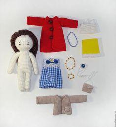 Человечки ручной работы. Вязаная крючком кукла Оливия с набором одежды. crochet toys