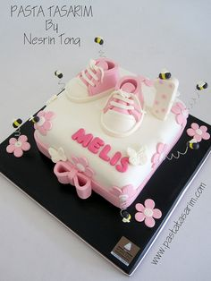 BABY PINK SHOES 1 ST BIRTHDAY CAKE by CAKE BY NESRİN TONG, via Flickr