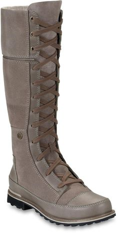 The top on these fold over! Navigate the snow-covered metropolis with the premium waterproof, insulated women's Snowtropolis Lace boots from The North Face. Snow Boots, Ugg Boots, Bootie Boots, Combat Boots, Riding Boots, Boots Sale, Cute Shoes, Me Too Shoes, Uggs For Cheap