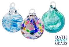 Beautiful unique handmade jewellery and glassware from Bath. We have glassblowing demos, wedding ideas, activities and Stained Glass. Also Memorial Glass. Glass Christmas Baubles, Christmas Bulbs, Handmade Market, Handmade Christmas Gifts, Hanging Hearts, Online Gifts, Christmas Shopping, Glass Art, Friendship