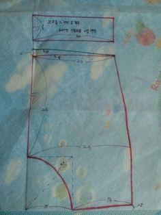 얼마전 공개 해 드린다고 한 배기 패턴이예요.. 담아 가실땐 덧글 한줄 부탁드려요 ~ ^^ 밑위도 넉넉하고 ... Baby Clothes Patterns, Sewing Patterns For Kids, Sewing Projects For Kids, Clothing Patterns, Harem Pants Pattern, Sewing Pants, Diy And Crafts Sewing, Baby Kind, Baby Sewing
