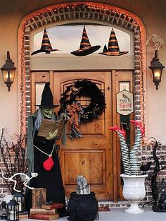 70 Cute And Cozy Fall And Halloween Porch Décor Ideas.. love this witch themed front porch!