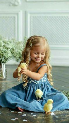 Beautiful Children, Beautiful Babies, Animals Beautiful, Fairy Photography, Photography Poses, Funny Animal Videos, Cute Funny Animals, Cute Kids, Cute Babies