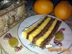 Recept za Zimsku oranž tortu. Za spremanje poslastice neophodno je pripremiti belanca, šećer, orah, pomorandžu, žumanca, šlag.
