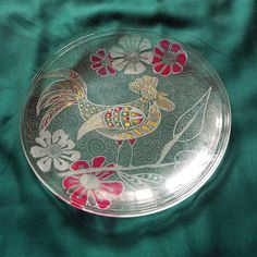 2017, Year of the rooster ,Housewarming gift, Hand engraved glass Dish, Wedding personalized glass gift, family new home gift, Kitchen Décor    This is one beautiful glass dish. It is hand-engraved with a stylish design with one fire cock and five stylish flowers.    This decorative dish looks beautiful in the centre of any table. A special gift for a wedding, anniversary, housewarming, or birthday in this 2017 - year of the fire rooster. It will be good gift for chinese inlaw…