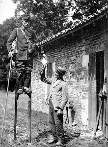 23 Funny Vintage Photos Show That Walking With Stilts May Be One of the Favorite Moving Styles in the Past ~ vintage everyday Funny Vintage Photos, Vintage Humor, Vintage Photographs, Old Pictures, Old Photos, Weird Pictures, Thats The Way, Interesting History, World History