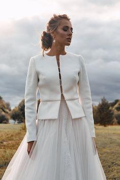 Winter Wedding Coat, Autumn Wedding, Winter Weddings, Bridal Cover Up, Bridal Bolero, Wedding Jacket, Winter Wedding Inspiration, Wedding Ideas, Long Sleeve Wedding