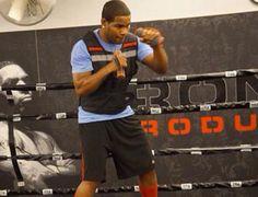 Félix Díaz realiza entrenamiento especial en el gimnasio de boxeo de la cárcel de la Victoria