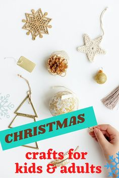 Christmas crafts that are a joy to make and can turn into a profitable side hustle. Christmas crafts for kids and adults. Christmas crafts to make and sell for profit. Popular Christmas crafts to sell at fairs. Christmas Wreath Image, Burlap Christmas, Christmas Mugs, Simple Christmas, Christmas Tree, Christmas Crafts To Make And Sell, Handmade Christmas Decorations, Handmade Christmas Gifts, Diy Gifts