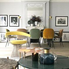 Un sublime appartement parisien - Art Deco Living Room Designs, Living Room Decor, Living Rooms, Interiores Art Deco, Casa Milano, Dining Room Inspiration, Contemporary Home Decor, Home Modern, Deco Design