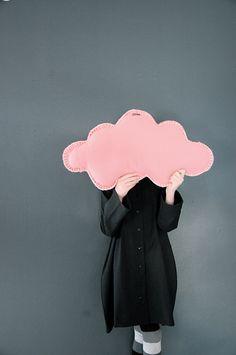 coixí nuvol rosa