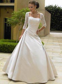 Robe de mariée avec 3/4 manches robe de mariage pour Automne Hiver en satin douce Prix :€146,99 Lien : http://www.robedumariage.com/robe-boule-avec-manches-corsage-broderie-plis-traine-satin-product-193.html