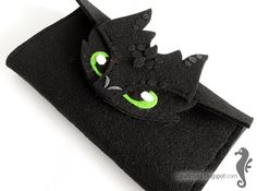 Felt wallet  - like Toothless - dragon - big green eyes - for fan - how to train your dragon