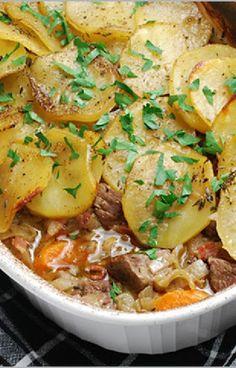 Low FODMAP and Gluten Free Recipe - Bacon and potato hotpot  - http://www.ibssano.com/low_fodmap_recipe_bacon_potato_hotpot.html