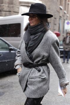 http://blogs.lexpress.fr/styles/cafe-mode/2013/02/21/emmanuelle-alt-sous-la-neige-a-milan/#