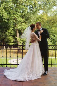 Suknie - Przepiękna suknia ślubna z koronką! - 2 000,00zł