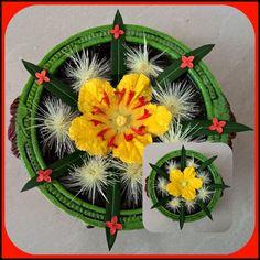 Two different ways of flower arrangement..