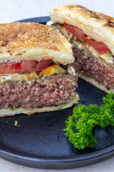 Veal Recipes, Burger Recipes, Sous Vide Hamburger, Sous Vide Burgers, Ground Beef Seasoning, Steak Spice, Sous Vide Cooking, Cooking Temperatures, Favorite Recipes
