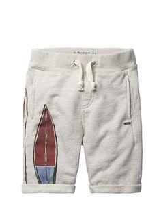 Scotch Shrunk Jungen Shorts, Sweat shorts with surfboard artworks 44,95€ www.frohtag.de