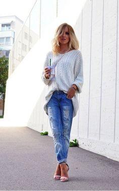 Oversized knit w boyfriend jeans and heels