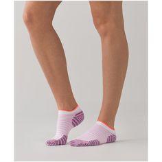 lululemon Women's Ultimate Padded Run Sock ($14) ❤ liked on Polyvore featuring intimates, hosiery, socks, padded socks, lululemon socks, cushioned socks, seamless socks and wicking socks