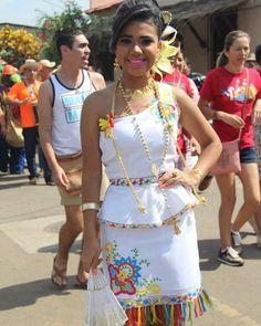 Vestido Tipico Estilizado Polleras Y Folcklore Pinterest