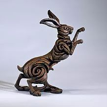 On this page you will find images of all the figurine style pieces of Edge Sculpture