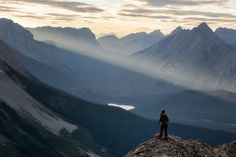 Are you looking for inspiration for your next day hike in the Canadian Rockies? See my ten favorite day hikes across Canada's most scenic national parks. Canadian Travel, Canadian Rockies, Mountain Pictures, Hiking Photography, Colorado Hiking, Travel Oklahoma, Best Hikes, Day Hike, New York Travel