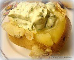 Patata al cartoccio con salsa alle erbe