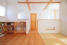 【アイジースタイルハウス】図書室。陽だまりに包まれながらのお昼寝や読書もここで