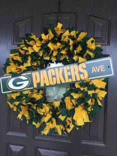 Green Bay Packers NFL Fabric Wreath with Street Sign by CarolinaConcepts on Etsy https://www.etsy.com/listing/244484959/green-bay-packers-nfl-fabric-wreath-with