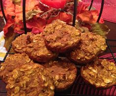 Healthy Recipes: Pumpkin Oatmeal Muffins | Delectably Skinny (3 points + for one muffin)
