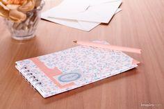 Realizaremos nuestro diario forrado de las bonitas telas de Dailylike que nos permiten decorar fácilmente y sin necesidad de colas.