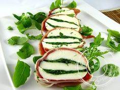 Roulé de jambon cru, mozzarella et roquette. Plus de recettes italiennes ici www.enviedebienmanger.fr/idees-recettes/recettes-italiennes