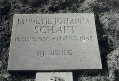 ... Bij zo'n gewone klus, het wegbrengen van een stapeltje verzetskranten, werd Hannie op 21 maart 1945 bij een routinecontrole op de Jan Gijzenkade gearresteerd. Hannie had haar pistool bij zich. Toen dat werd ontdekt, realiseerden de Duitsers zich dat ze met een belangrijke verzetsstrijdster te maken hadden. Een moedige poging van Truus Oversteegen om haar te redden, kwam te laat. Hannie was op 17 april in de duinen bij Bloemendaal doodgeschoten.