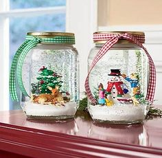 Anyone Can Decorate: DIY Holiday Craft - Mason Jar snow globes , he kids would have fun making these! Mason Jar Christmas Crafts, Noel Christmas, Mason Jar Crafts, Homemade Christmas, Christmas Projects, Winter Christmas, Holiday Crafts, Holiday Fun, Christmas Decorations