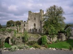 Castle Ghosts of Ireland | Are You Scared: Most Haunted Castles