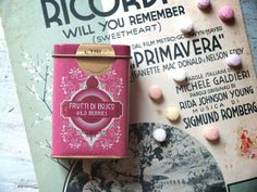 Retròchic - essences of sweetness on Packaging of the World - Creative Package Design Gallery