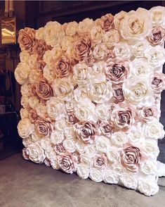 amazing paperrose wall using Ann Neville Design Rose templates. Looks so fluffy and soft ! Flower wall, fake flowers, maybe staple or hot glue? Flower Wall for Photo Booth I want a flower wall at my shower so cute photos can be taken A bigger version of t Flower Wall Wedding, Diy Wedding, Wedding Flowers, Dream Wedding, Wedding Day, Paper Flower Backdrop Wedding, Floral Wedding, Gold Wedding Colors, Paper Backdrop