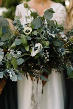 CREATING A WEDDING BOUQUET (Via: JacinthaPayne.com)