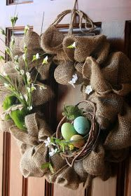 DYI burlap wreath!  And you can change the embellishments for the season!  I might make this.
