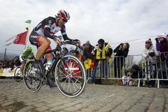 The elastic snaps on the Paterberg. Tour of Flanders 2013