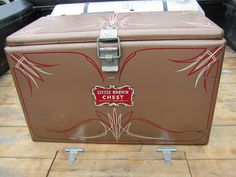 pinstriped ice chest by bballchico, via Flickr